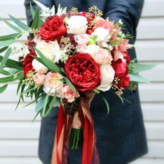 Букет невесты из пионовидных роз «Будь моей женой»