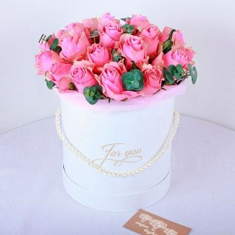 21 кенийская роза в коробке