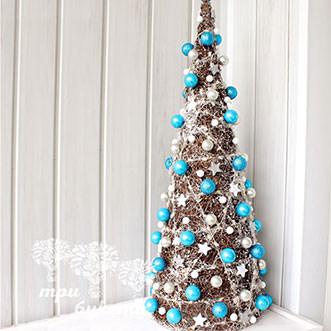 Новогодняя елочка с голубым декором