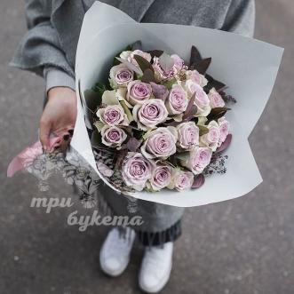 rozy-s-krasnym-evkaliptom
